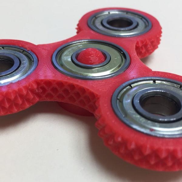 Studded Tri-Spinner